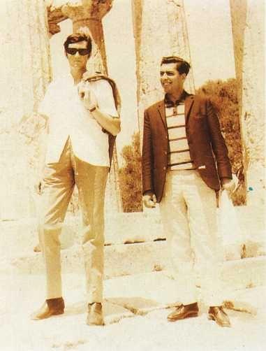 Julio Cortazar y Mario Vargas Llosa como traductores de la UNESCO en Atenas, 1967.