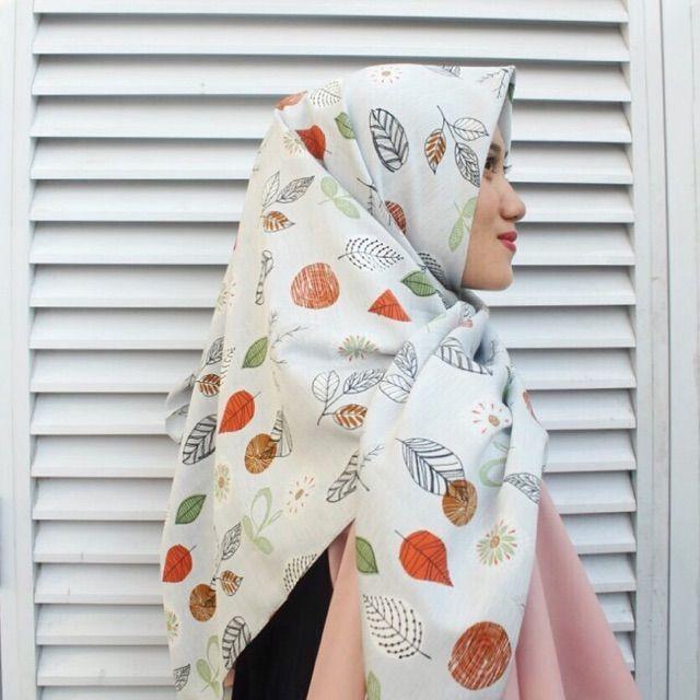 Saya menjual Hijab Segi Empat seharga Rp53.000. Dapatkan produk ini hanya di Shopee! https://shopee.co.id/veils/400803396 #ShopeeID