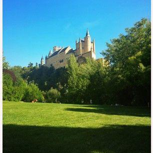 En un lugar de cuento  #Alcazar #Segovia por: borj_arnanz