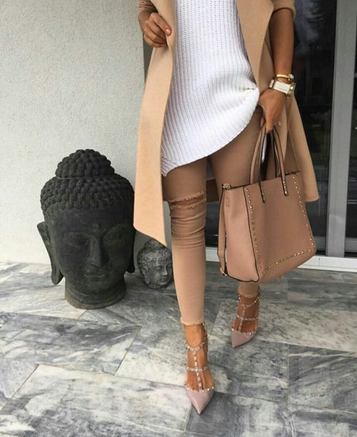tan trench coat, ripped tan jeans, white tricot, valentino rockstud shoes, valentino handbag studded tan shopper, street fashion #valentinohandbag #valentinorockstud