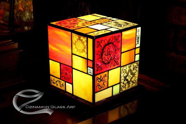 Tiffany festett lámpák, a stressz oldására. http://www.uvegmuvesz.hu/olomuveg/tiffany-lampak/#sthash.Z8NB226i.dpbs