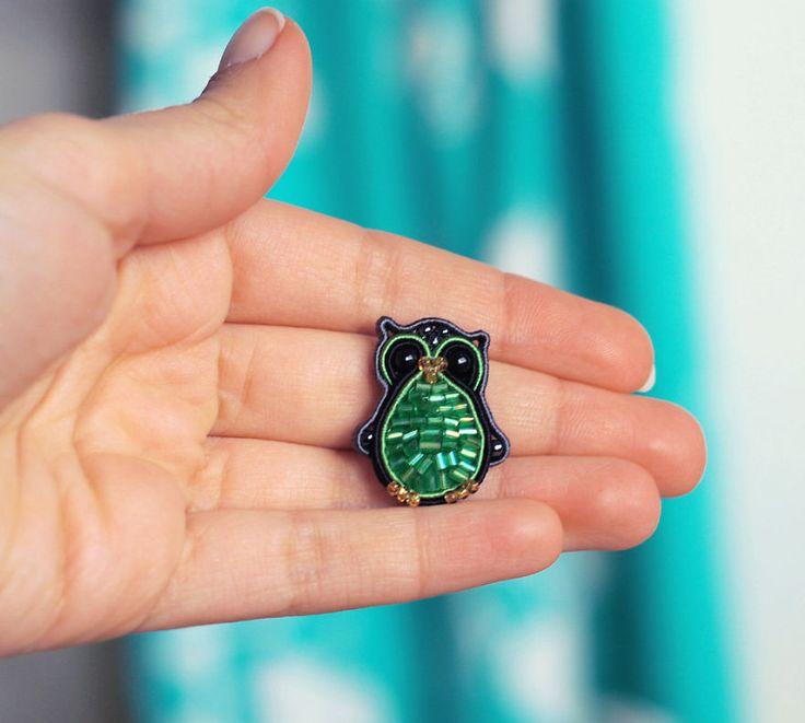 Fiber Owl Pin