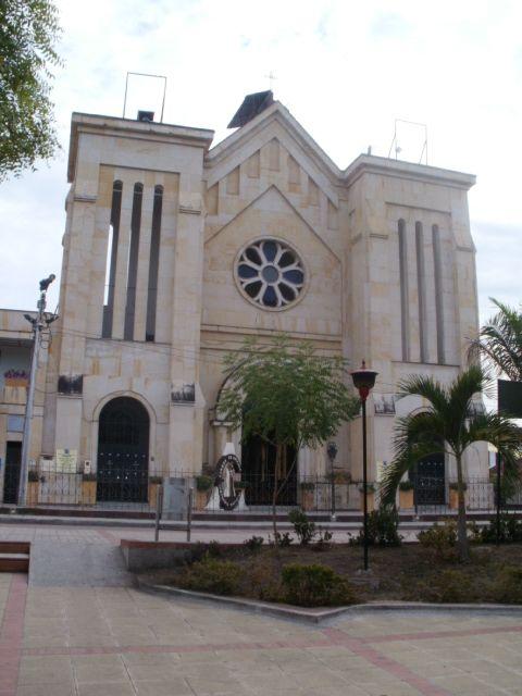 Iglesia de Carmen de Apicalá, Tolima