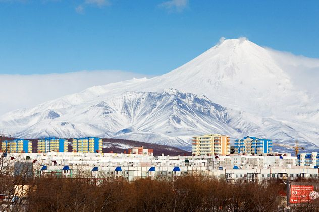 The North-East district of the city of Petropavlovsk-Kamchatsky, against the background of the volcano Avacha, in the Russian Far East. Source:RIA Novosti/Alexandr Piragis