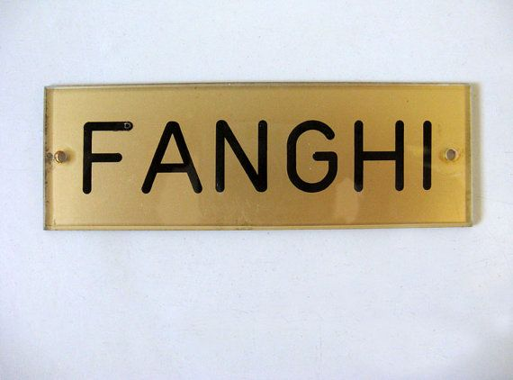 Vintage Italian Plastic Sign by uhlalalebrocantage on Etsy, €8.00