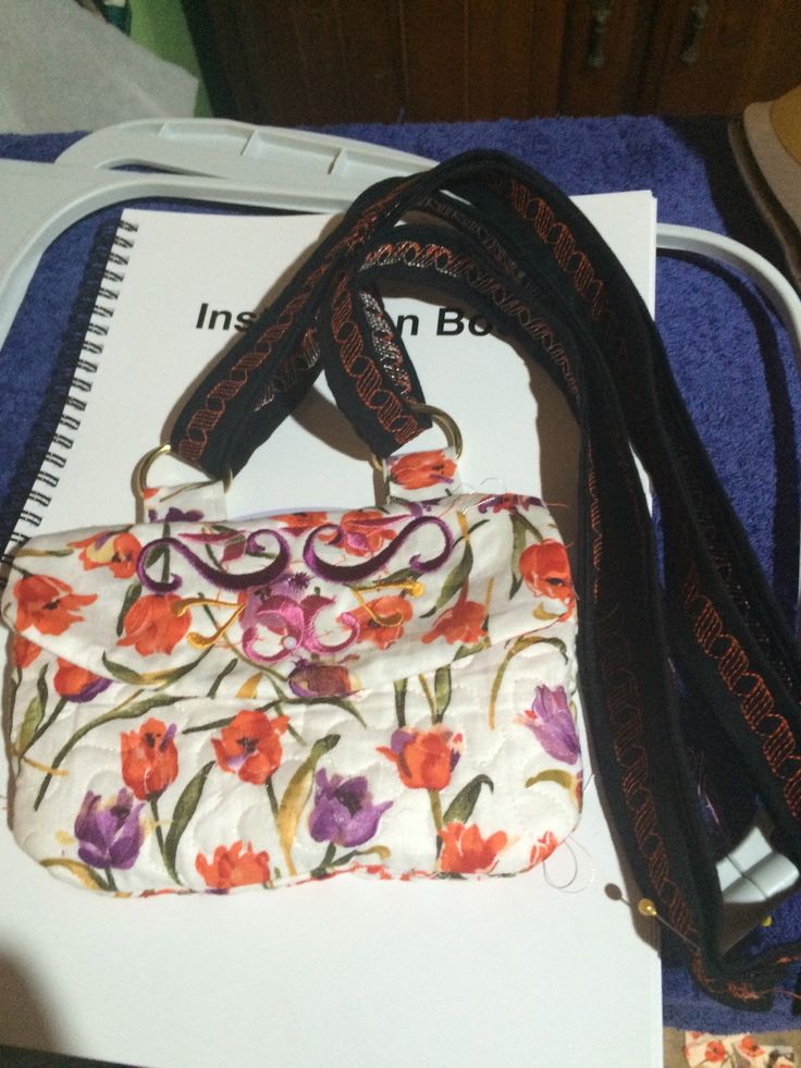 Purse, zippered with card skot, cross your body by TeaBagEmbroidery on Etsy https://www.etsy.com/listing/247695799/purse-zippered-with-card-skot-cross-your