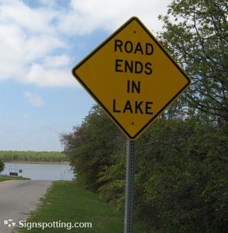 gawck's FUNNY SIGN FRIDAY™: In case your weekend involves a trip to the cottage, keep this important message in mind...
