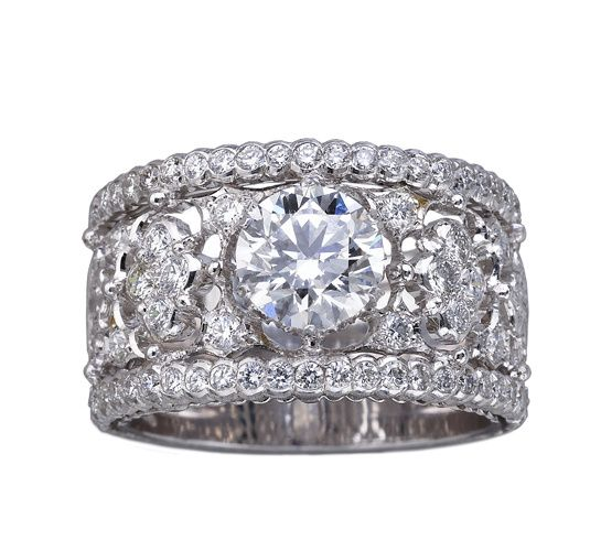 Romanza, les toutes premières bagues de fiançailles signées Buccellati http://www.vogue.fr/mariage/bijoux/diaporama/romanza-les-premieres-bagues-de-fiancailles-signees-buccellati-personnalisable-diamants-solitaires/18449#!7