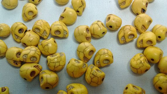 20 Yellow Skull Head Stone Beads Spacers  095 by FrancisRoyal
