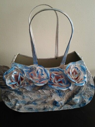 Handbag flower pot, white tokreen with a blue and silver coating