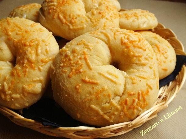 ciambelle di patate con parmigiano -