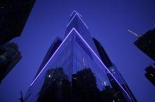 Con i suoi 230 metri di altezza, il palazzo del Marriott di Manhattan (Broadway, 54ma Strada), inaugurato il 29 dicembre, è l'hotel più alto dell'America del Nord. L'albergo conta 68 piani, con 378 stanze e 261 suite