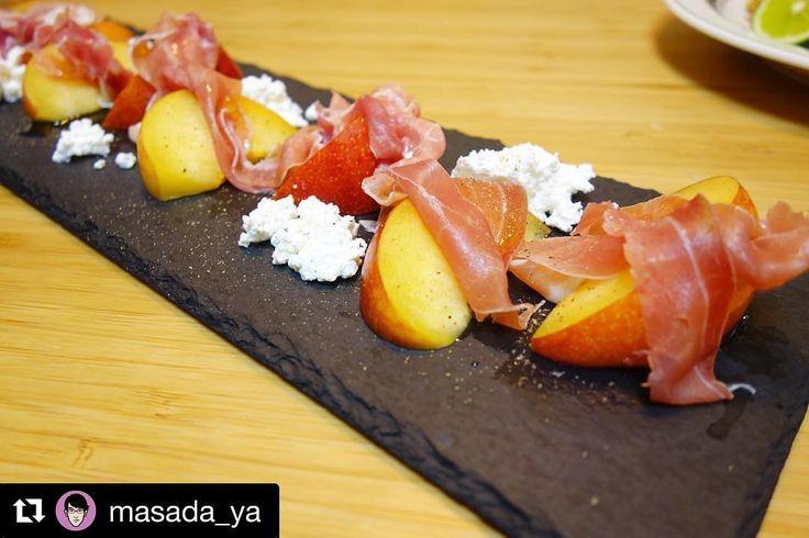 晩御飯アメリア作の秋姫(プラム)と生ハムカッテージチーズのサラダこれは美味い #meallog #food #foodporn #tw