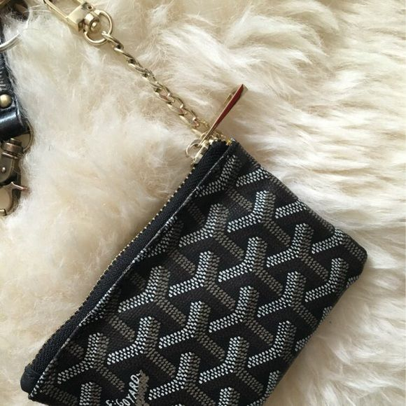 Goyard zip wallet Brand new excellent quality goyard zipper wallet comes in box.with key chain . Can fit money credit cards car papers. Price reflects authenticity serious questions hand painted like original and genuine leather Goyard Bags Clutches & Wristlets