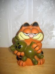 my 1981 Garfield money bank