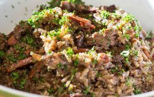 Saiba como fazer receitas de pato com laranja, pato assado ou pratos com pato cozido. O tradicional arroz de pato, pato com tucupi, peito e magret de pato você encontra aqui. Aproveite!