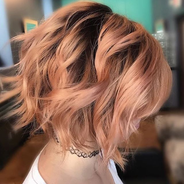 Peach balayage haircolor for fall by @lala.lindquist!