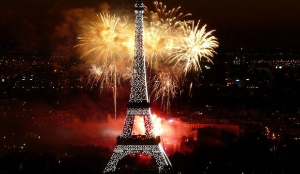 Letter From Paris for NYE Eiffel Tower Reveillon Tour