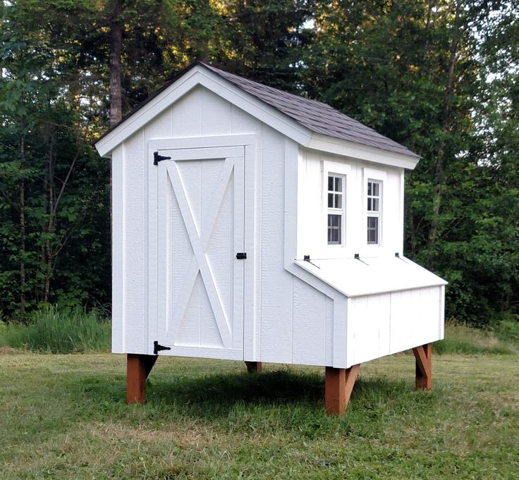 25 best ideas about chicken coop designs on pinterest for Plans for a chicken coop for 12 chickens