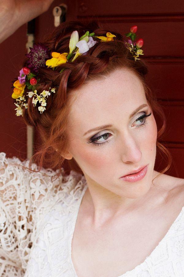 Brautstyling, Brautfrisur, Brautmakeup in Köln und weltweit. Probetermin möglich, Homeservice, Echthaarwimpern und Haarverlängerung auf Wunsch