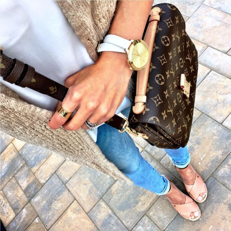 IG @mrscasual <click through to shop this look> Long cardigan, Blank NYC ankle jeans, Tory Burch espadrilles, Louis Vuitton pochette metis. Cute spring or fall outfit.