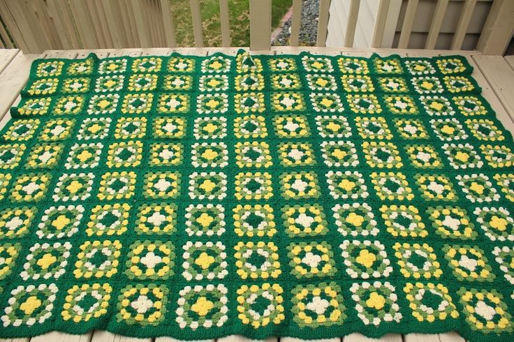 Crochet Pattern Green Bay Packer Afghan : Top 25 ideas about Green Bay Packers Blanket on Pinterest ...