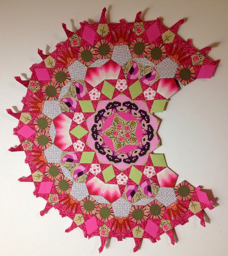 """La Passacaglia Quilt"" - single block by Sharon - more blocks on the site - English Paper Pieced millefiori quiltblock - Lilabelle Lane: Holding my attention - ""La Passacaglia Quilt"""