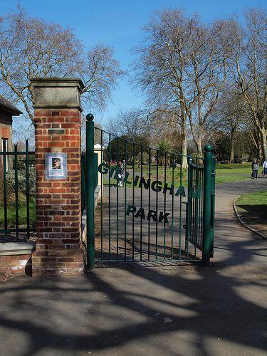 Gillingham Entrance Scenery Nostalgia England