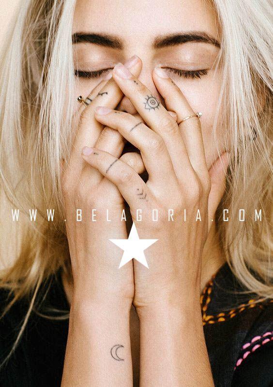 70 Tatuajes elegantes y sencillos para mujer