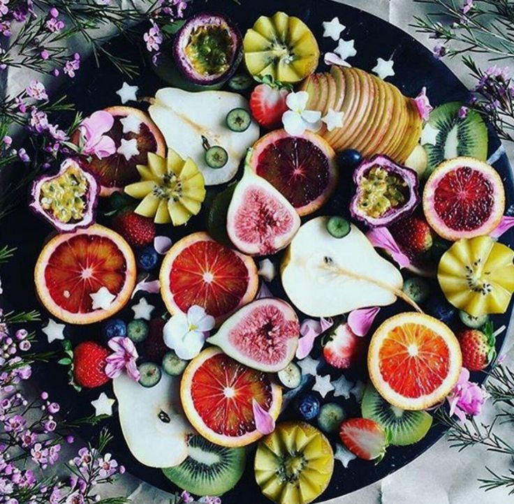 Because just looking at this amazing fruit platter makes me feel healthy  vegotwins.com