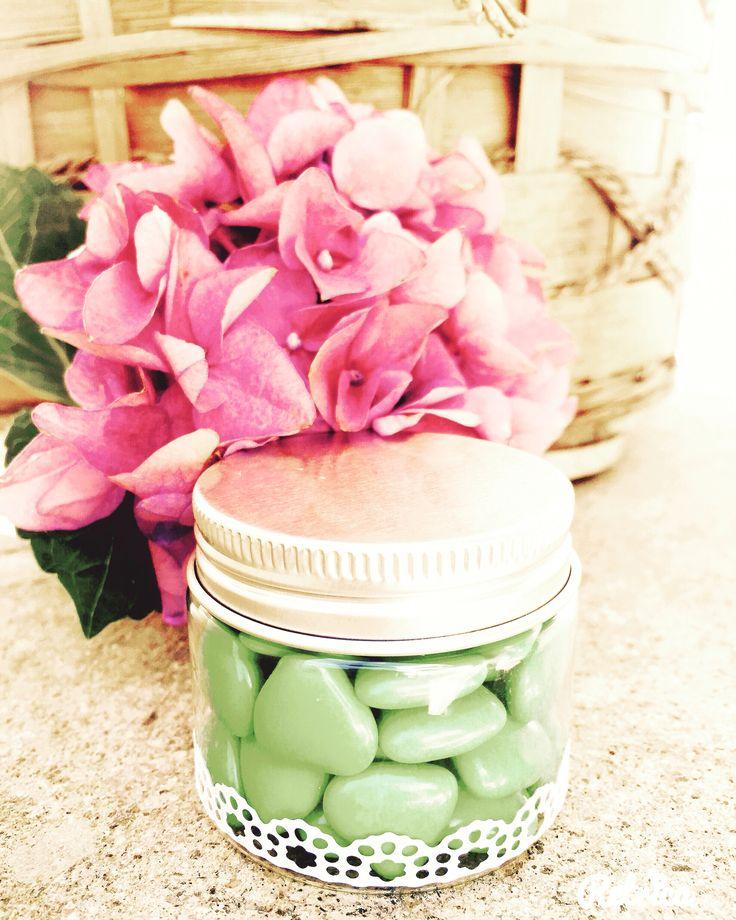 Piccola bomboniera con deliziosi confetti! Se ti piace la realizzo per te...in tantissimi colori...contattami! 💞 #bomboniere #wedding