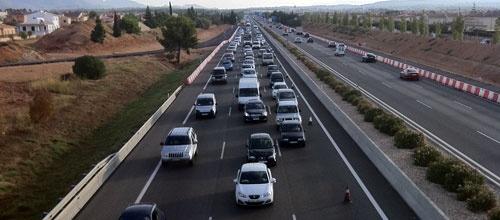 El Govern se alía con el RACE para reducir los accidentes de tráfico  La Consellería de Administraciones Públicas y el Real Automóvil Club (RACE) firman este miércoles un convenio de colaboración que tiene por objetivo promover acciones de e  ducación vial con el objetivo de prevenir los accidentes de tráfico en las Islas Baleares.  http://www.mallorcadiario.com/sociedad/el-govern-se-alia-con-el-race-para-reducir-los-accidentes-de-trafico-112484.html