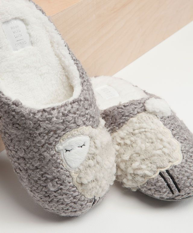 Sheep slippers - OYSHO 38/39