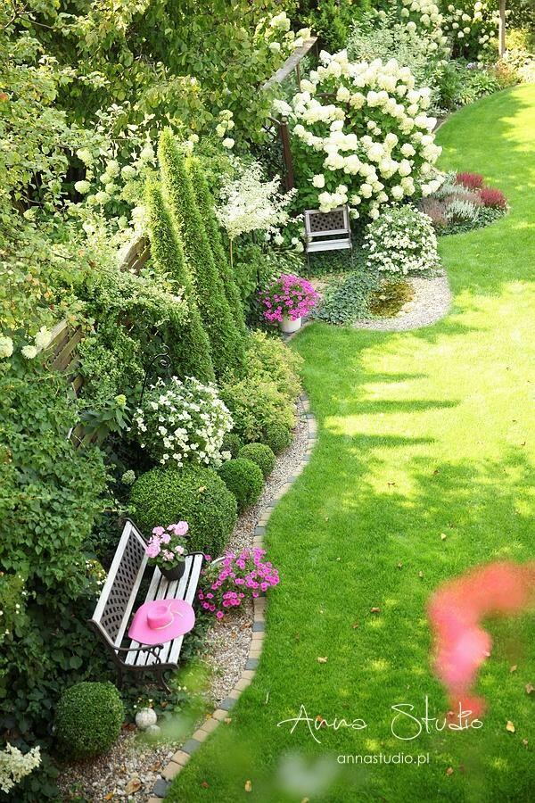 Lece W Kulki Styczen W Ogrodzie Front Garden Landscape Garden Design Beautiful Gardens Landscape
