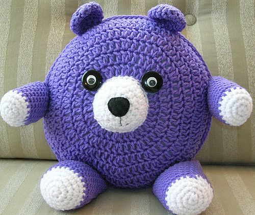 Free Crochet Cat Pillow Pattern : Pillow patterns, Pigs and Cats on Pinterest