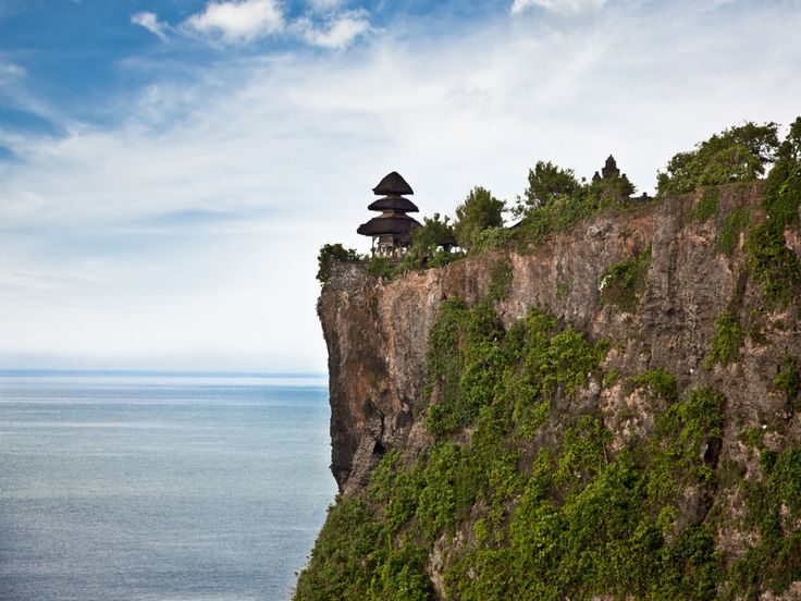 Uluwatu Temple Sunset Tour is an exciting Bali Tours Private half day sightseeing activity to visit Uluwatu which is famous with a Hindu temple set on the cliff bank with stunning view of Indian Ocean - - YukmariGO.com