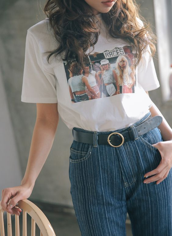 Lined trousers , graphic white tee, black circle belt