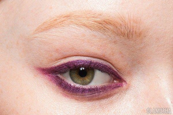 Цветная подводка для глаз: 35 способов нанесения. Голубой, фиолетовый, розовый, желтый карандаш для глаз | GLAMUSHA.ru