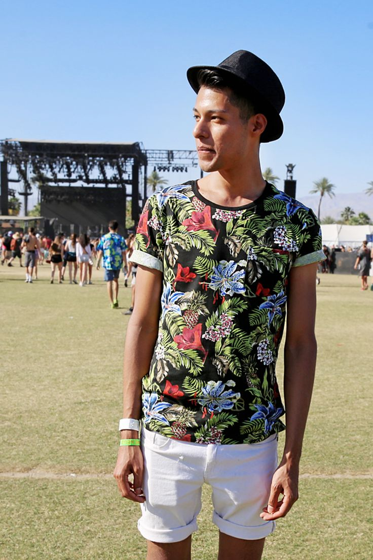This Coachella-goer fits right in with the Indio landscape ...