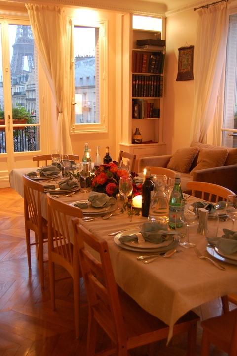 Posiblemente, el mejor restaurante de #Paris.... ¡Comiendo con estas vistas!