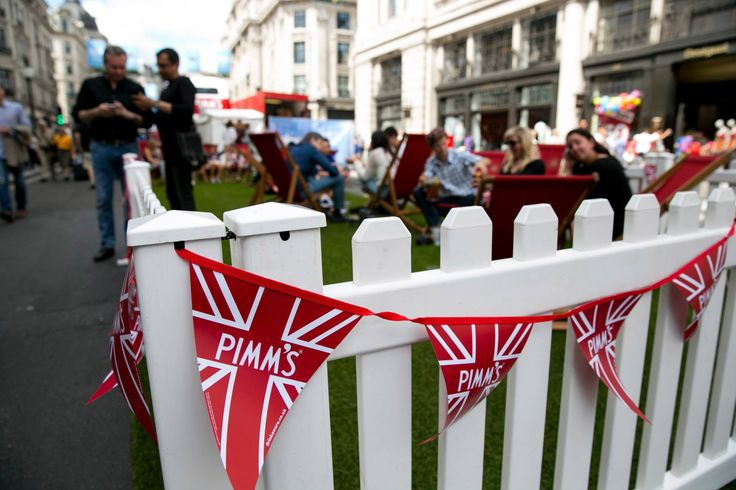 #RegentStreet visitors enjoy the Pimm's garden at #SummerStreets.