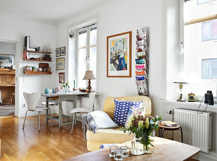 A very cheerful Swedish two rooms apartment