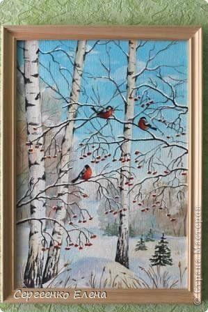 """Когда начинается зима совсем не у места на стене летние картины, особенно если Новый год и кругом мишура и гирлянды. И каждый год, снимая """"зелёные"""" пейзажи заменить их было нечем. А задумка со снегирями была очень давно. Порывшись в интернете, раздобыв несколько картинок для рисования, выбрала одну и...  выставляю на ваш суд свою зимнюю работу. Краски - акрил, размер 35х50см. фото 6"""