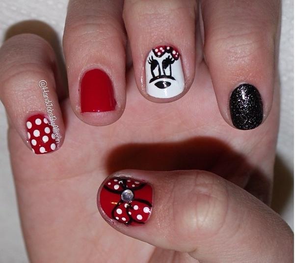 Minnie nails!