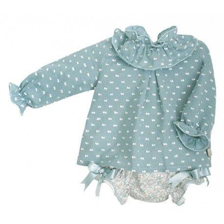 Algo especial! Blusa de plumeti verde con braguita estampada de la Marca Eve Children en Conjuntos para Bebé. Te gustará nuestra selección de moda infantil   http://www.pepaonline.com/