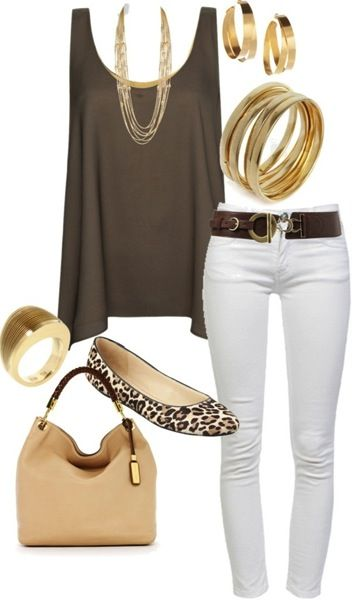 Brown white summer outfit - shorts instead of white pants!