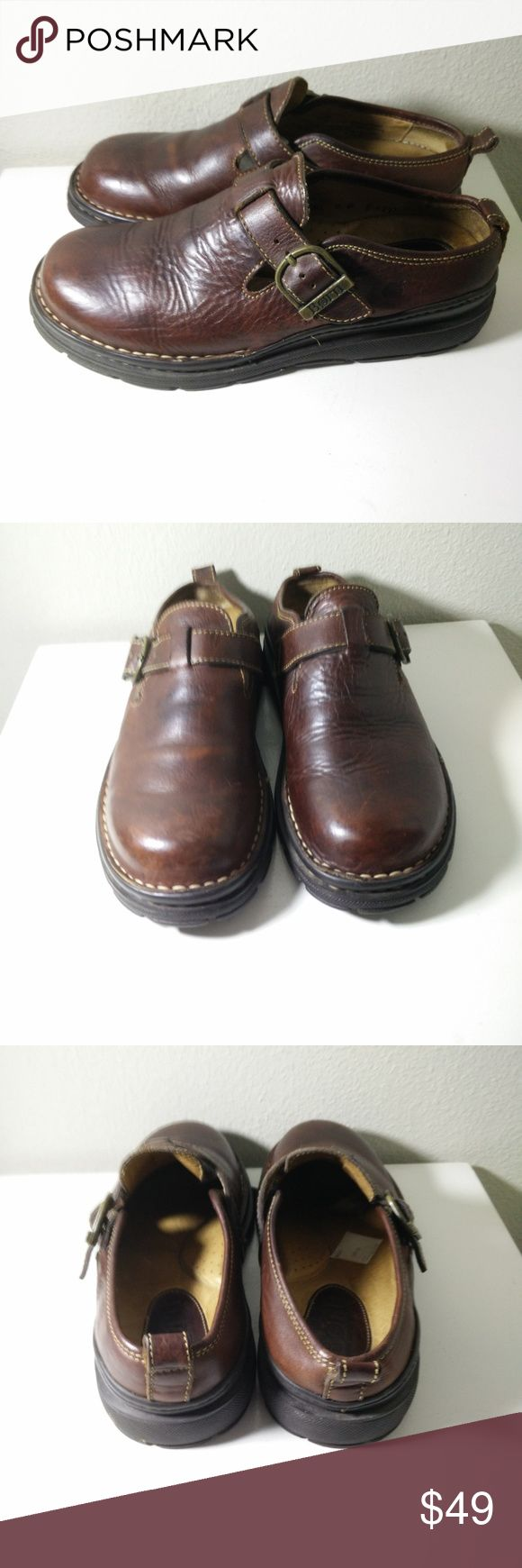 BORN Brown Leather Loafers  8M/W BORN Brown Leather Buckle Slide-on Casual Loafer Mules B-6297  US Size 8 M/W  EUR Size 41 -  Very Cool looking shoes - showing normal wear but still in GREAT overall condition - see pictures for more details... (ref#2256) Born Shoes Loafers & Slip-Ons