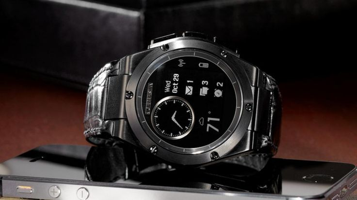 De luxe smartwatch van HP, de MB Chronowing, is vanaf 7 november verkrijgbaar.