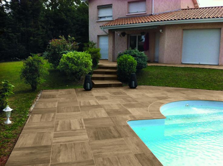 Lastre T20 in gres porcellanato effetto legno per aree esterne. Per dettagli: http://www.supergres.com/your-home/pavimenti/item/410-travelt20
