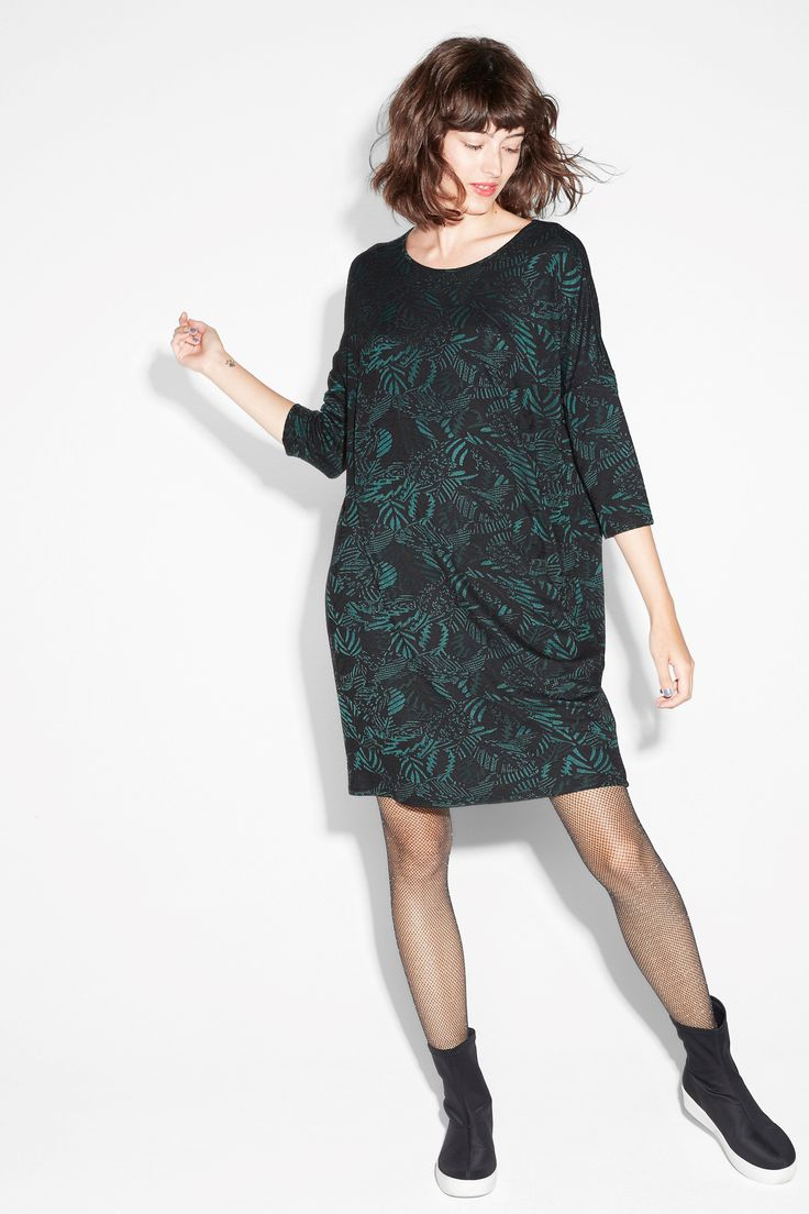 Get your gorgeous on in this see-through half sleeve dress, with a fetching key hole at the nape of the neck.